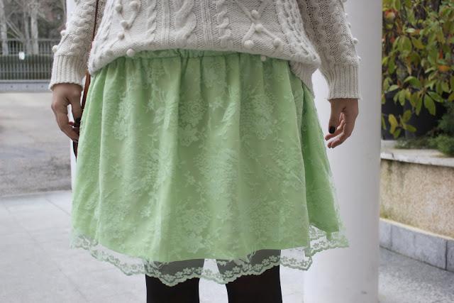 Costura como hacer una falda de encaje DIY. Blog de costura, moda y DIY.