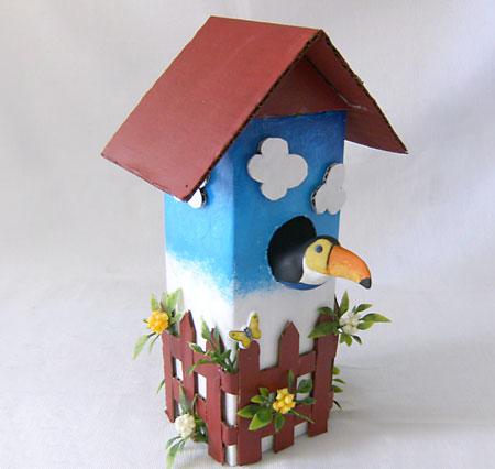 Casa de passarinho com reciclagem de tetrapack para decorar