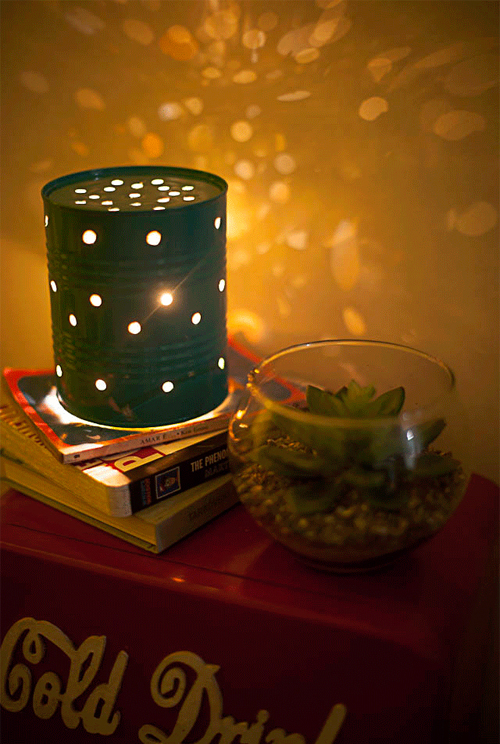 lampara-mesa-reciclando-lata-muy-ingenioso-1