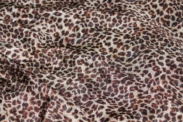 DIY Cómo hacer blusa estampada de leopardo (patrones blusa gratis). Blog de costura y diy