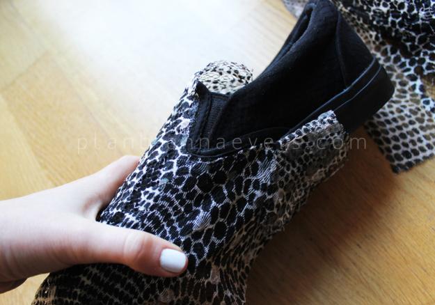Plan B anna evers DIY Snake slip on step 3