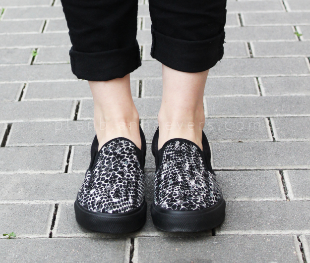 Plan B anna evers DIY Snake line slip on
