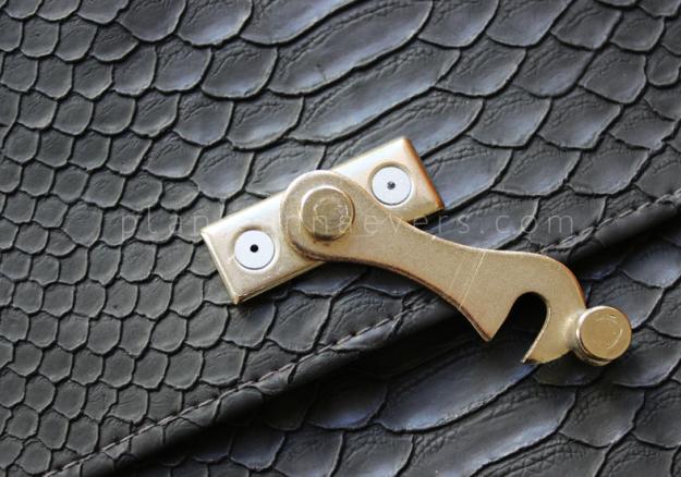 Plan B anna evers DIY Clutch with latch step 2