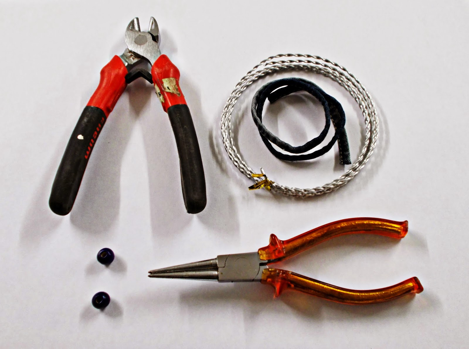 DIY-pulsera-brazalete-reciclar-vaquero-jeans-materiales