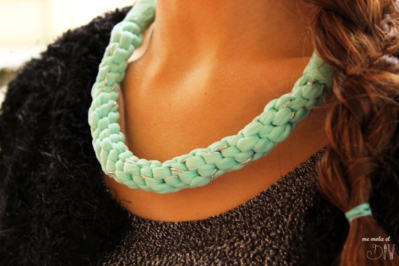 como hacer un collar de trapillo