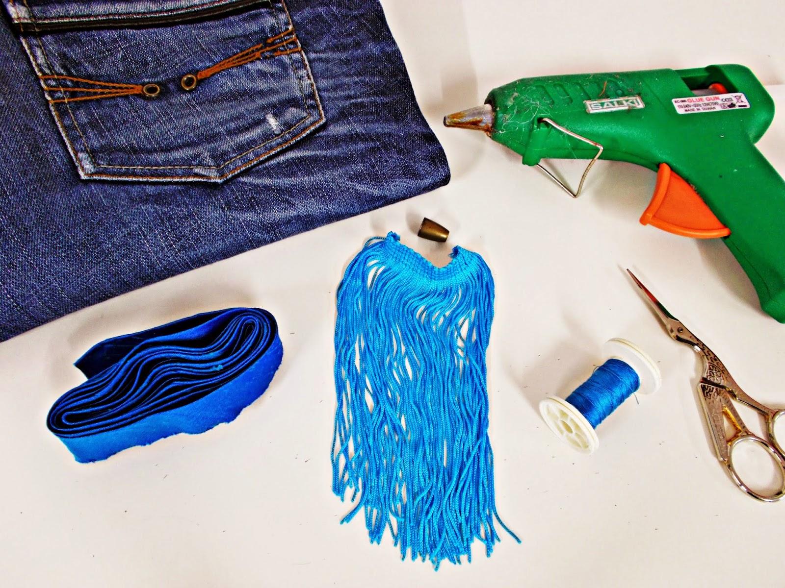 DIY-costura-reciclar-costumizar-vaquero-cargador-móvil-