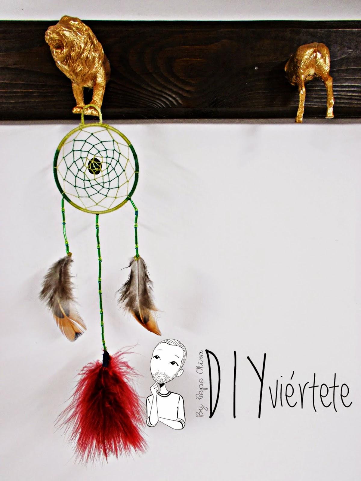 DIY-atrapasueños-indio-manualidades-hilo-plumas-adorno-1