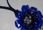 Cómo realizar un colgante con forma de flor para un collar - Necklace with plastic bottle pendant recopilación regalos día de la madre Reciclado Creativo https://www.youtube.com/watch?v=2o4dbsHZIaE