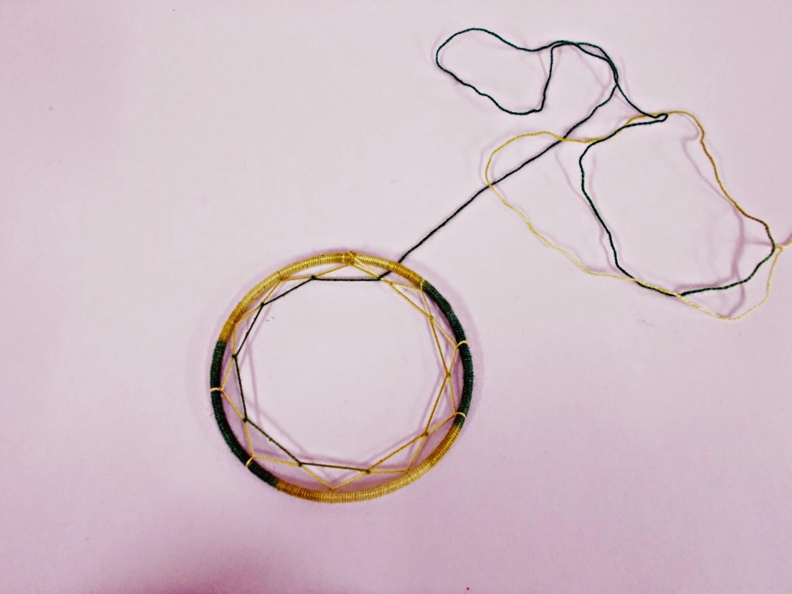 DIY-atrapasueños-indio-manualidades-hilo-plumas-adorno-5