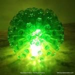 Lámpara realizada con 125 botellas de plástico recicladas - Lamp made with 125 recycled plastic bottles http://youtu.be/lwt43vjl2fs