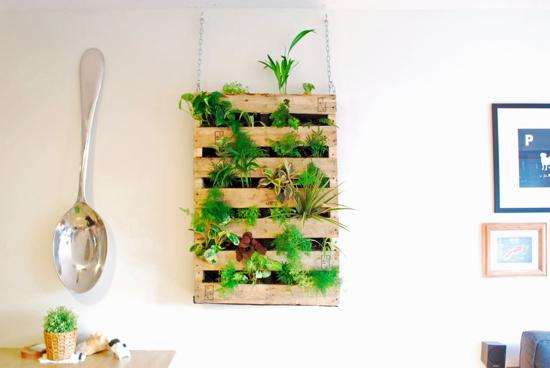 diy-palet-jardin-vertical
