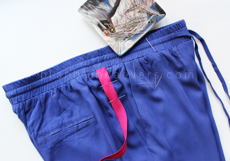 Plan B anna evers DIY side stripe pants 2.0 step 1