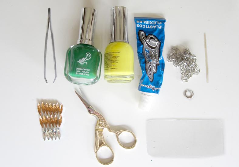 materiales_collar_piñas