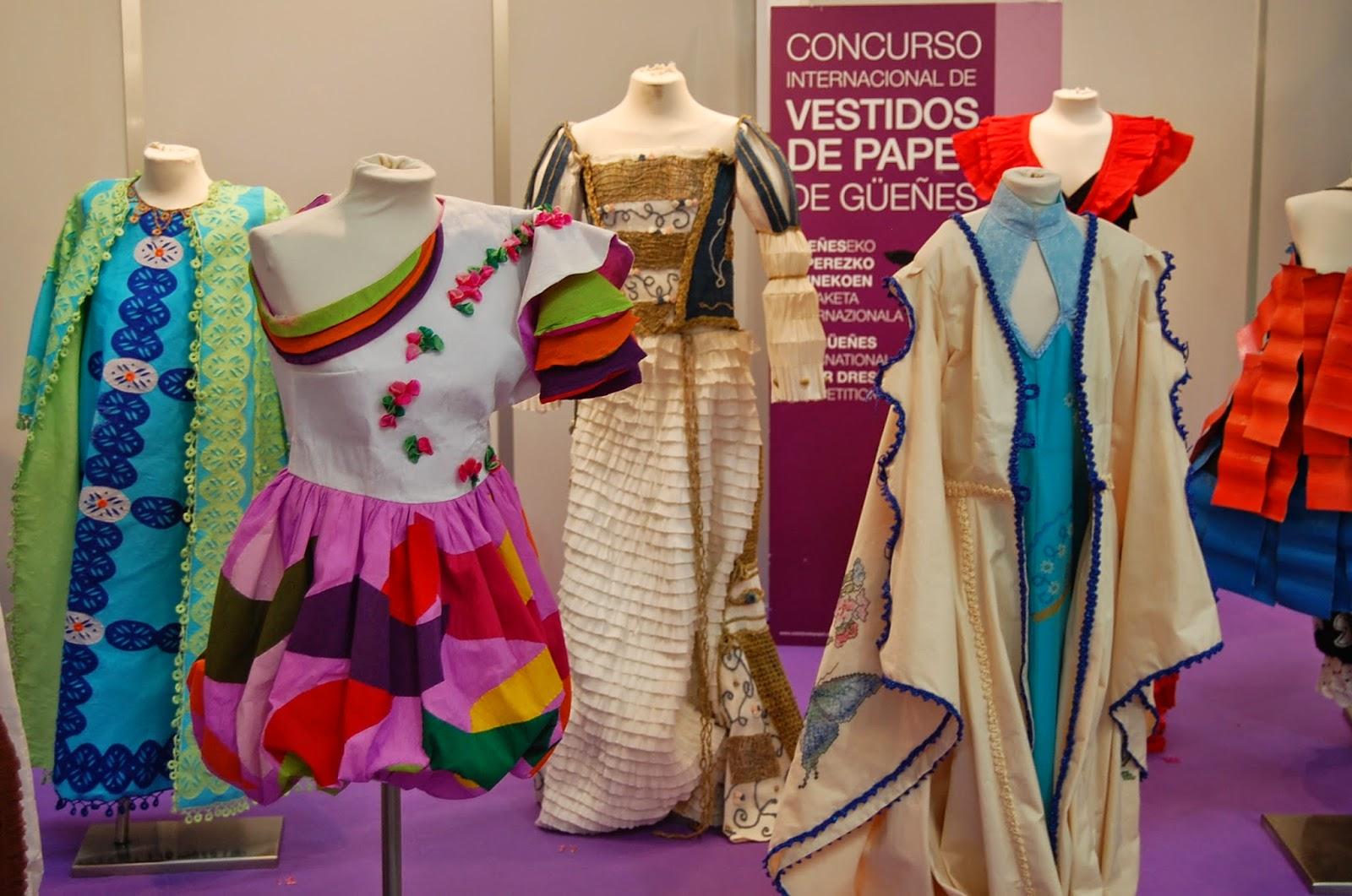 Vestidos de papel del concurso internacional de Gueñes