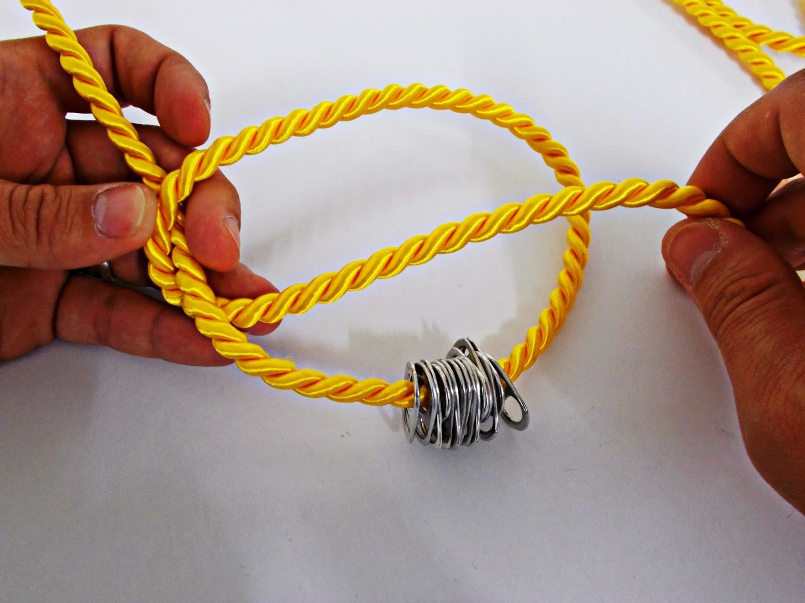 DIY-collar nudos-bisutería-hebillas refrescos-reciclar-reutilizar-3