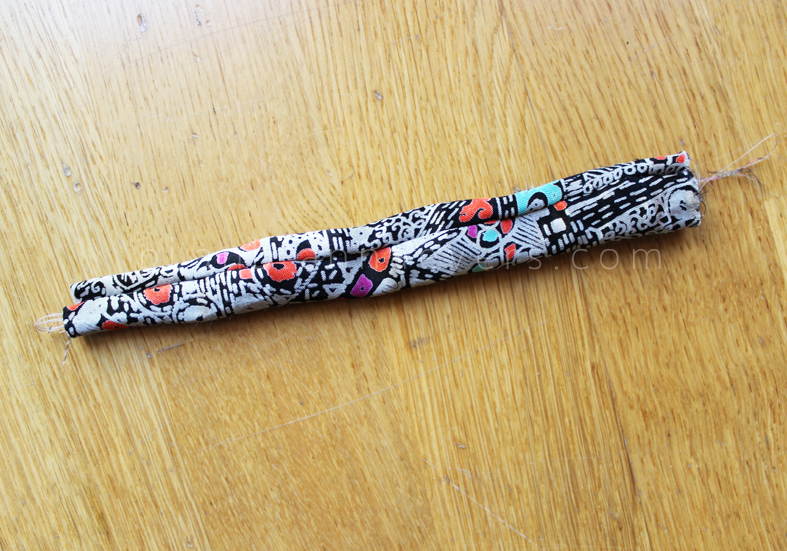 Plan B anna evers DIY Fabric bracelet step 3