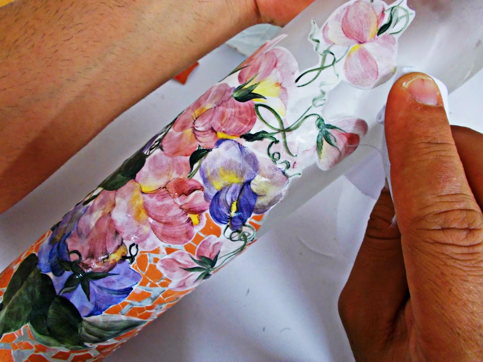 DIY-ideas decoración-reciclaje-diogeneras-botella-cristal-vidrio-cáscaras de huevo-decoupage-5