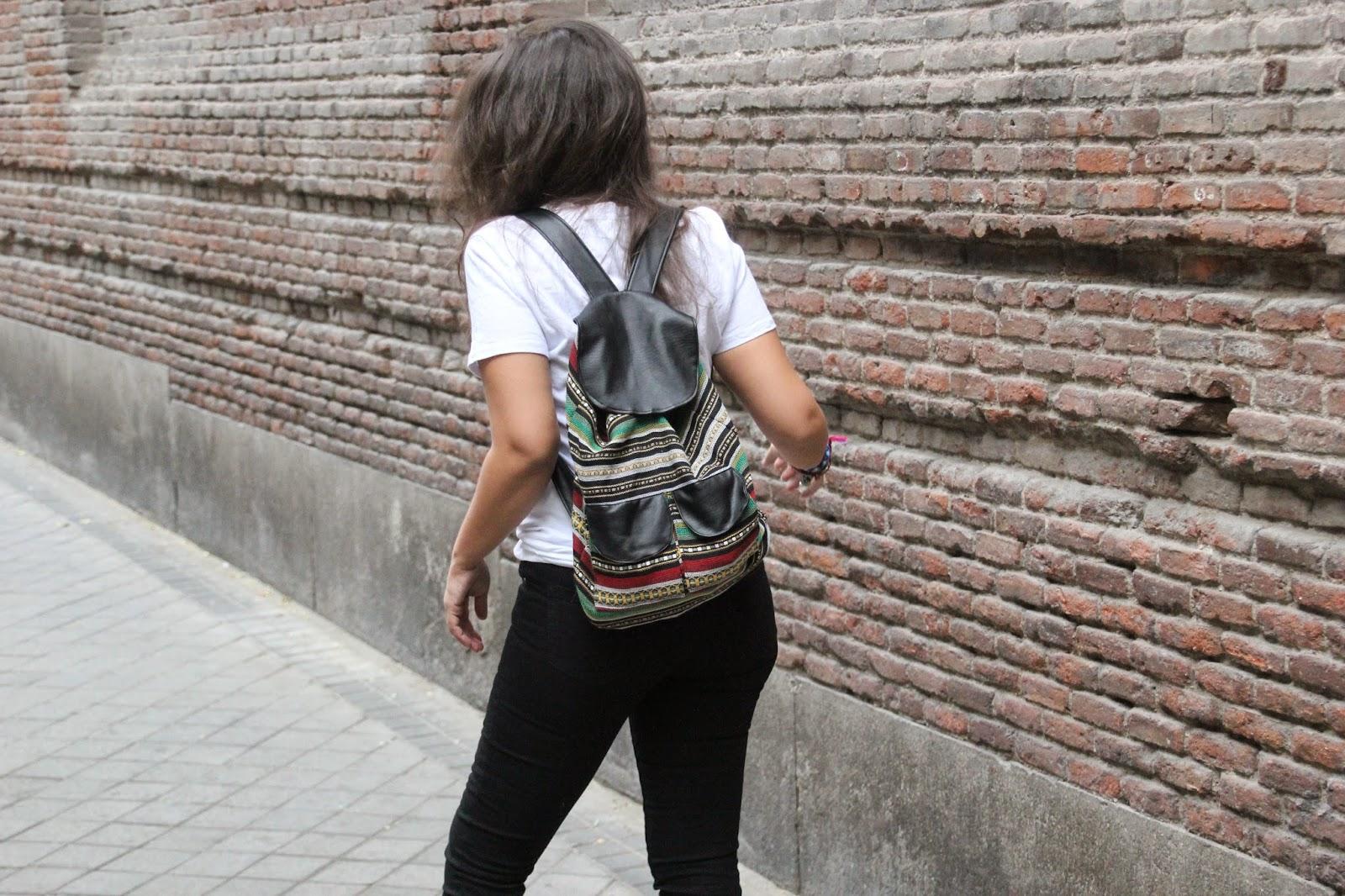DIY Tutorial: Bolso Mochila muy fácil. Blog diy y blog costura.