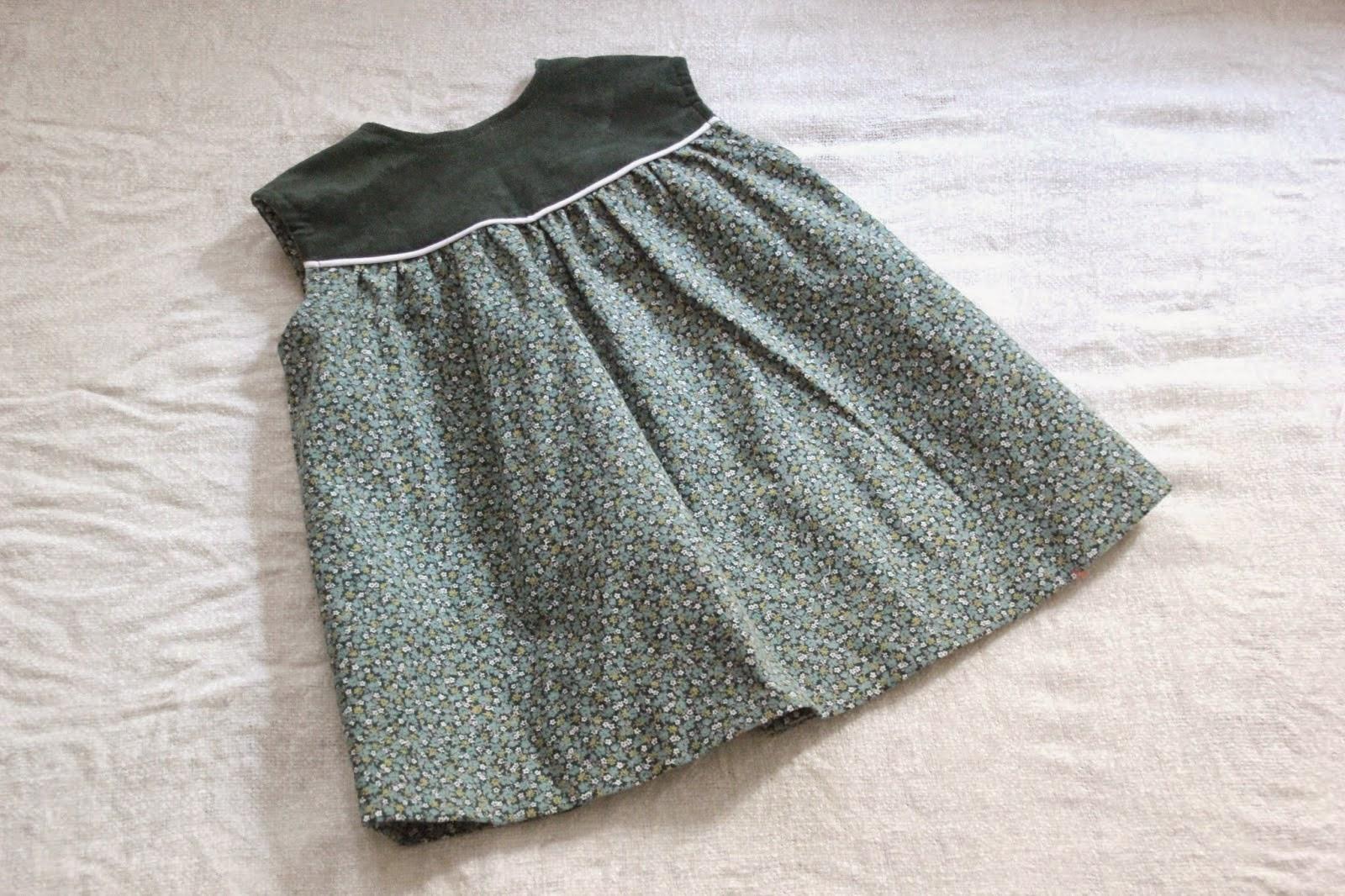 Vestido de punto y tela para nina