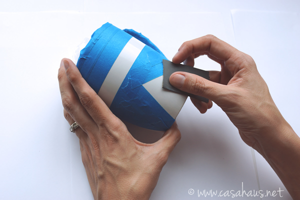 Lijar taza / Sanding the mug / Casa Haus