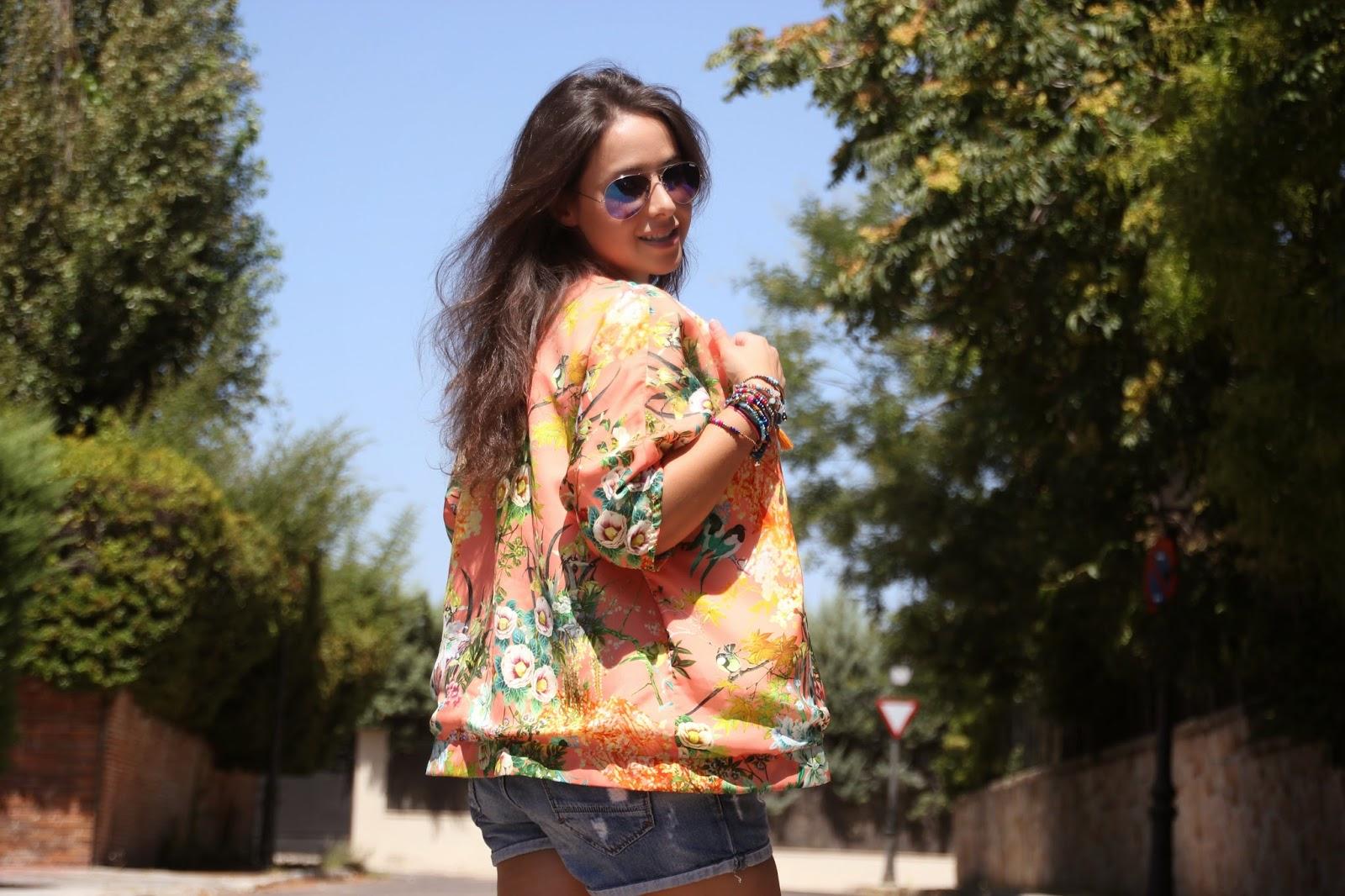 DIY Tutorial paso a paso: Kimono (patrón gratis). Blog de costura y blog diy.