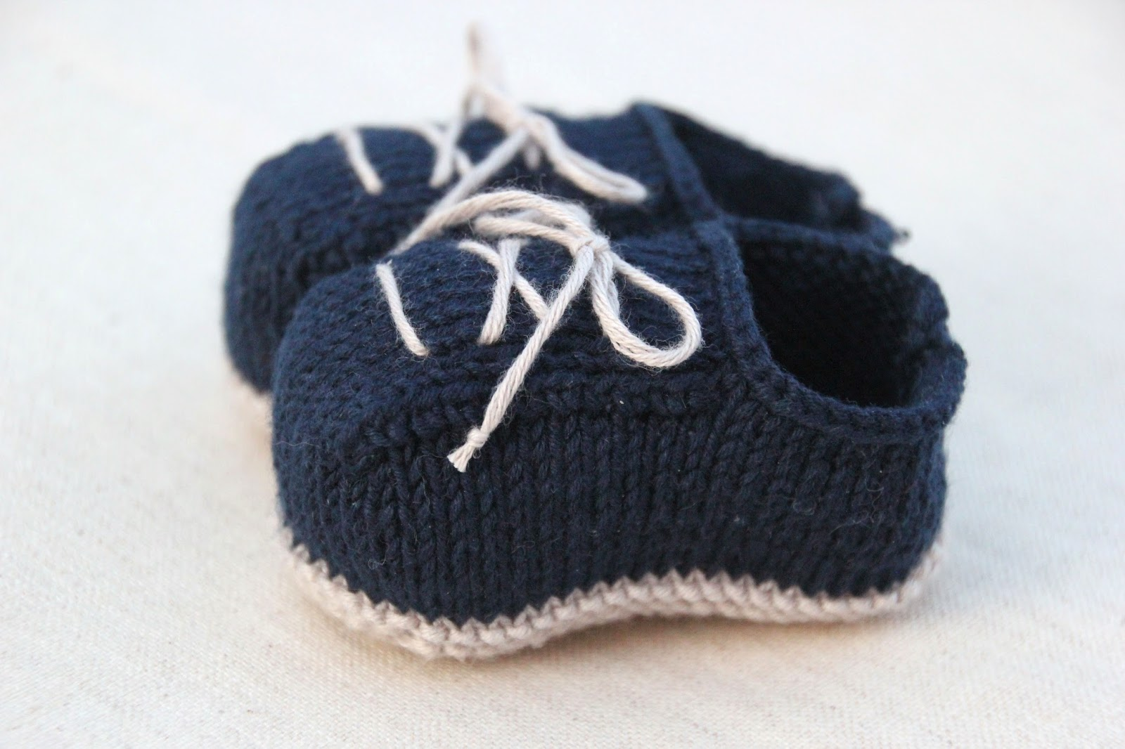 DIY como hacer patucos bebe de lana dos agujas (patrón patucos gratis)
