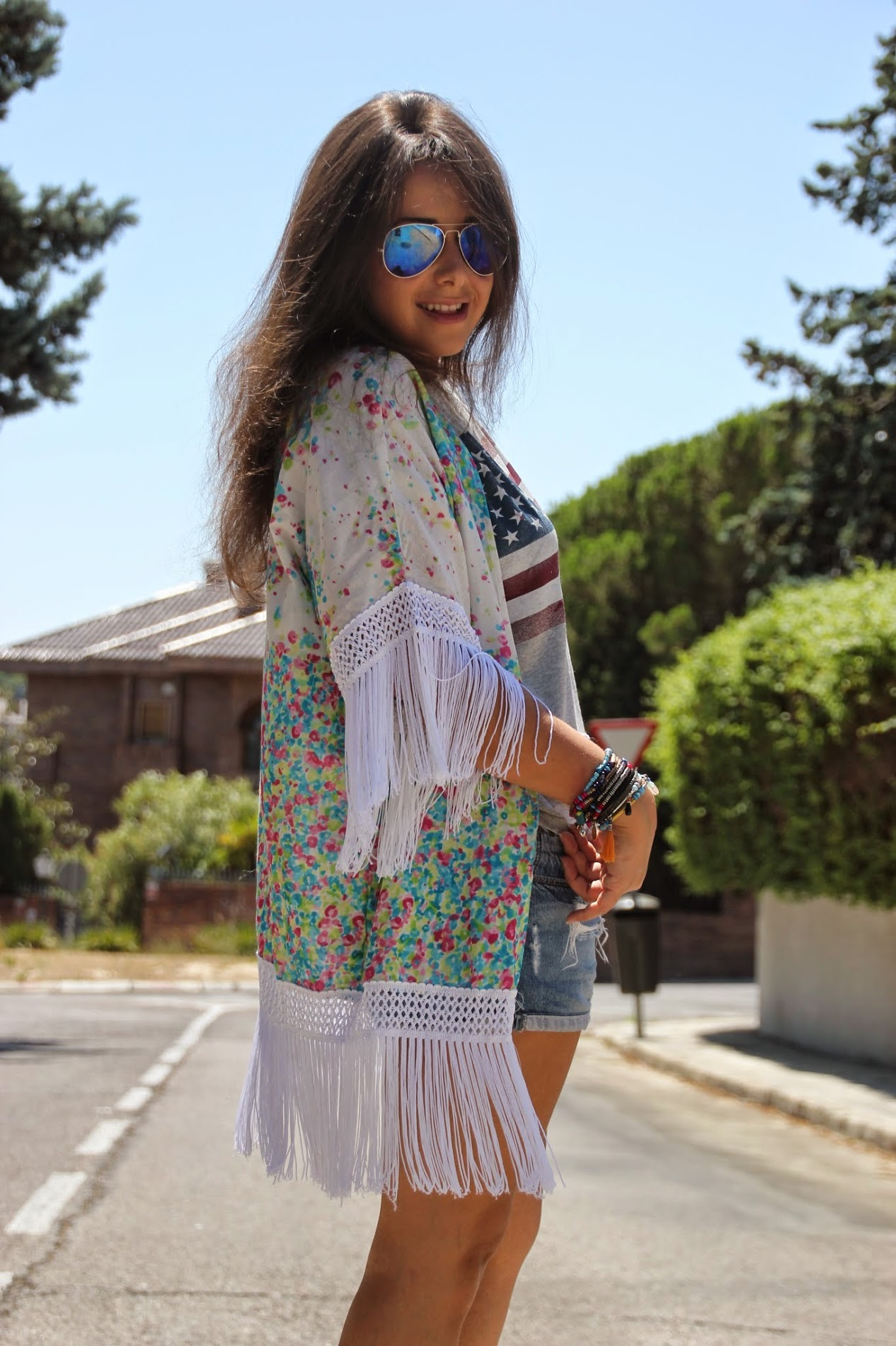 DIY Kimono con flecos (no hace falta patrones). Blog de costura y blog diy.