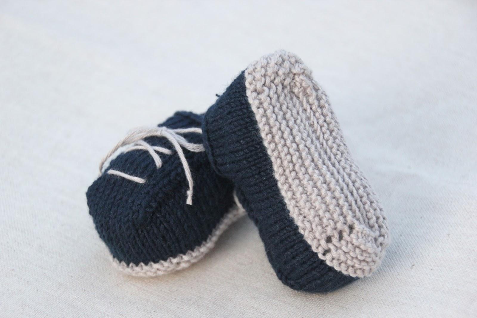 5 Tutoriales DIY para hacer patucos de lana con dos agujas (patrón gratis incluido)
