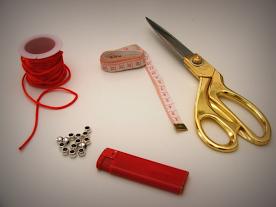 DIY pulsera de macrame. Aprende con el paso a paso a hacerla.