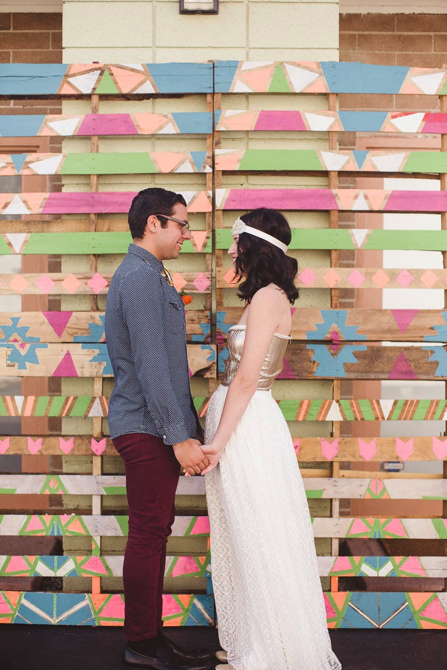 Diy photocall con palets y pintura de colores5