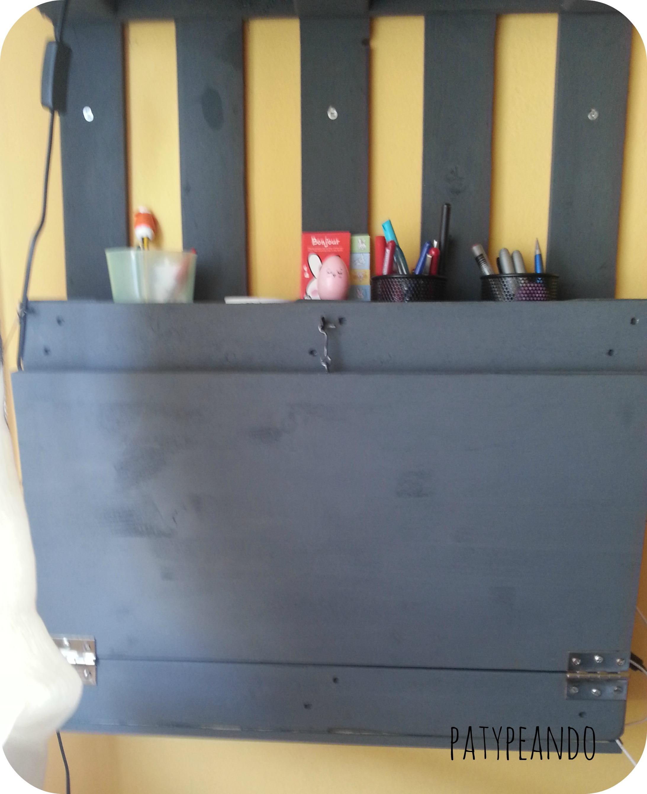 escritorio con un palet 5