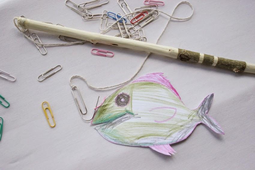 Peces y caña hechos con clips, palo y cuerda para el juego de pesca handmade2