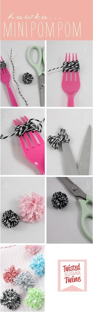 pompones hechos con un tenedor pangala