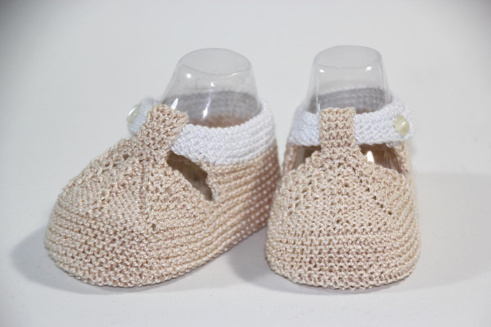 Regalo DIY para hacer en Navidad: Zapatos de punto para bebé