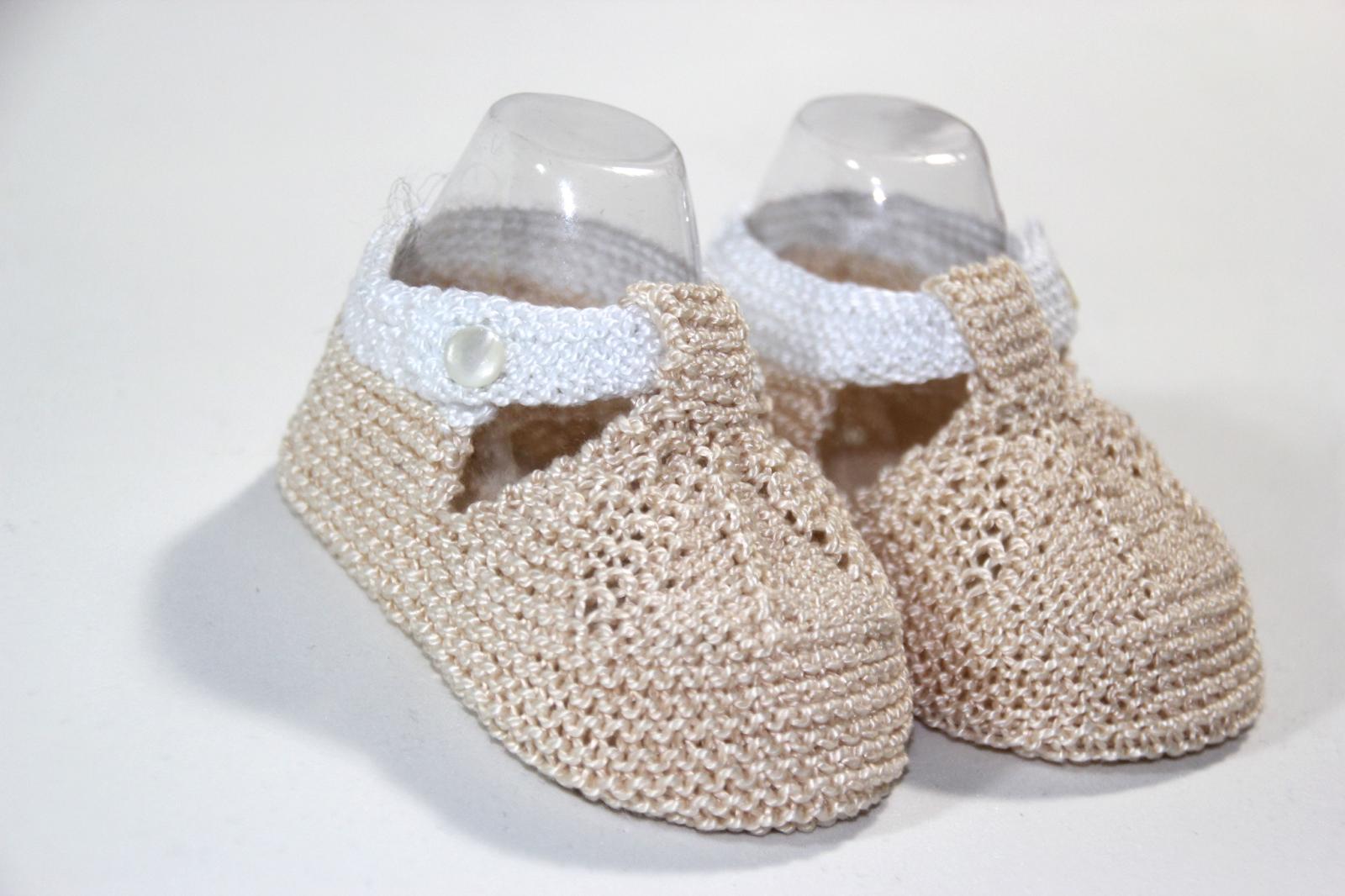 Regalo DIY para hacer en Navidad  Zapatos de punto para bebé - HANDBOX 03156d5f9ce