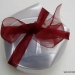 Cajas de regalo o bomboneras realizadas con la base de una botella de plástico