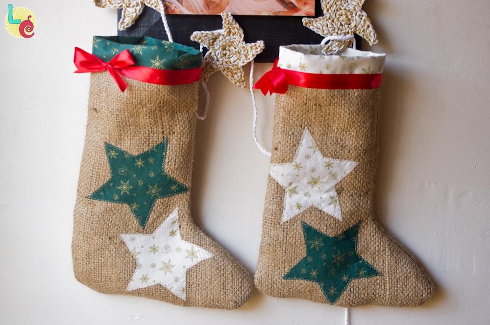 Calcetin De Navidad Con Tela De Saco Handbox Craft Lovers - Adornos-de-navidad-con-tela