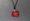 Bisutería de color rojo pasión realizada con botellas de plástico
