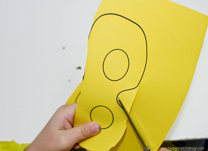 DIY máscara con hoja: el anifaz