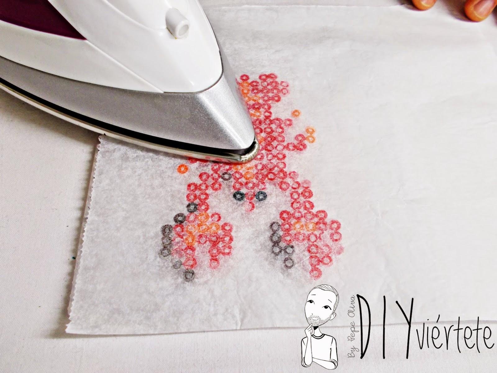 hama beads-diy-langosta-colgante-collar-bisuteria-idea-3
