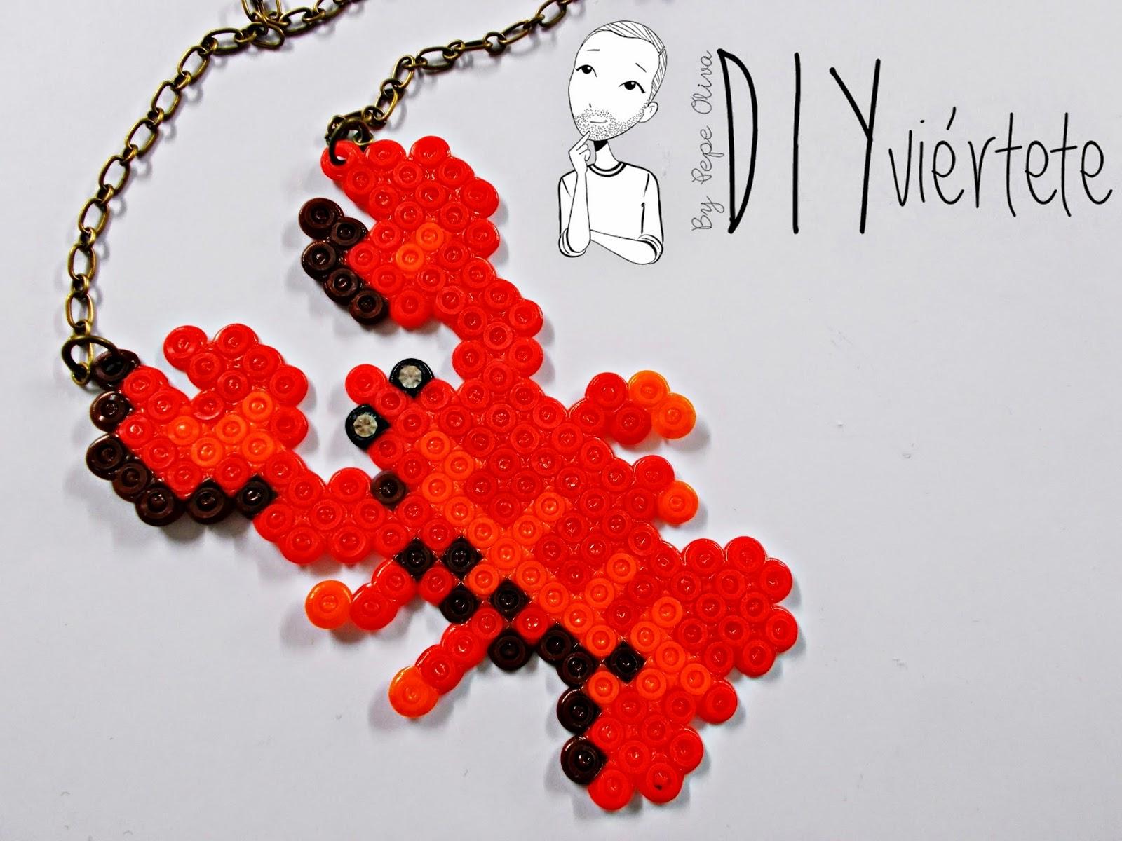 hama beads-diy-langosta-colgante-collar-bisuteria-idea-1