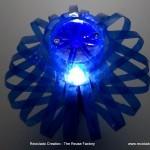 Lámpara realizada con dos botellas de plástico pet de color azul
