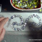 Traje de fallera valenciana con material reciclado (49)