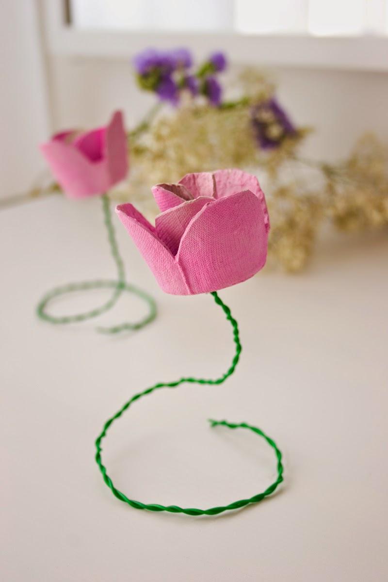 DiariodecoSpring: Diy flores con hueveras de cartón9
