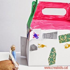 CreaKids: casa portátil con una caja de cartón