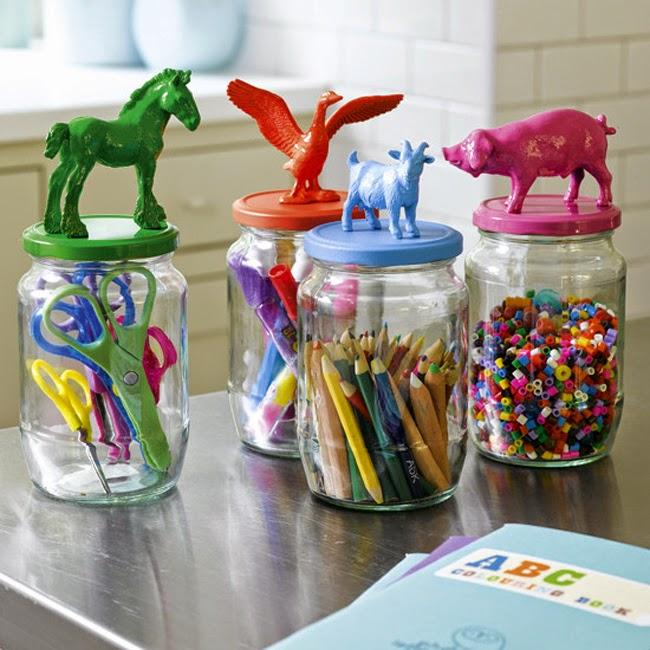 Botes Cristal con Animales de Plástico