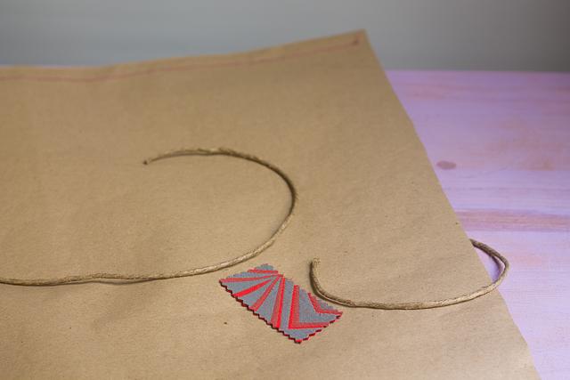 retal de tela para fijar cuerda envoltorio pangala