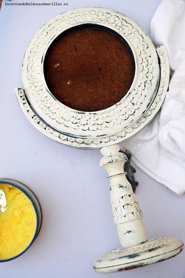 Espejo vintage decorado a mano