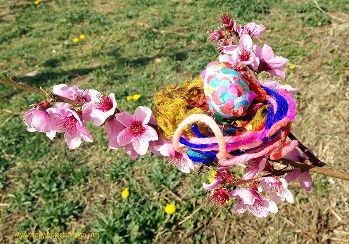Huevos de pascua con confeti