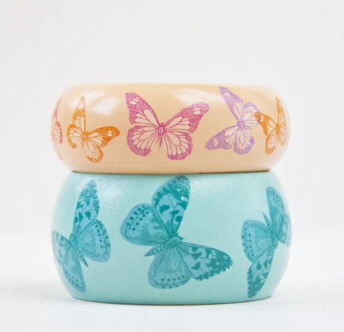 pulseras de mariposas con la técnica del decoupage con servilleta
